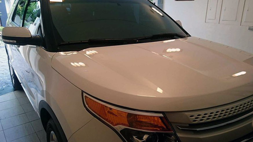 Glass Carcoating Home Service Ford Explorer  Pearl White